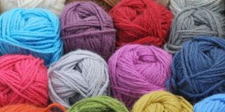 Sweter – na co zwrócić uwagę podczas zakupów?